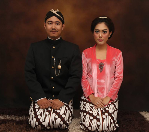 Couple + Make Up Home Visit Package dari Chocolate Photography