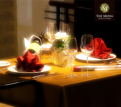 Romantic Valentine Dinner at The Breeze Cafe (for 2 person)