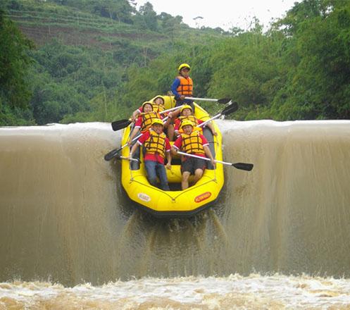One Day Trip Rafting Cikretek Bogor