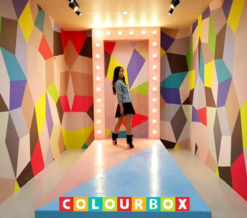 Rasakan Keseruan Berwisata Selfie di Colour Box Bandung